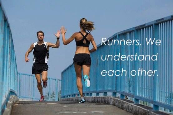 runners running waving